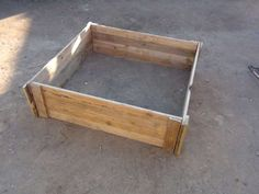 How to make a raised bed garden box from wood pallets