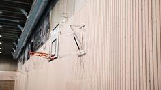 Byggherre: Viking FK Arkitekt:Lønnheim Entreprenør v/siv.ark. Ole Bernt Kaldhussæter Entreprenør: Lønnheim Entreprenør AS Vikinghallen i Stavanger består av fotballhall, flerbrukshall, garderobeanlegg, klubbhus, klasserom klatrevegg og løpebaner undervisningsrom, kantine, SFO-kontor samt andre type publikumsfasiliteter. Ved siden av fotballhallen på plan 2 finnes det også et stort styrketreningsrom. Totalarealet for bygget er på ca 7.900 kvm. Woodify har levert Brannpanel INT Spiler av…