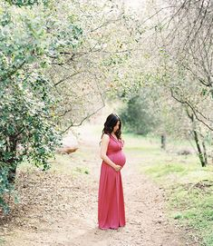 Maternity Photos in the woods - by Caroline Tran