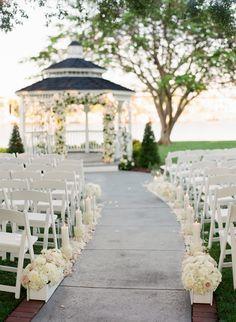 Tampa garden wedding: http://www.stylemepretty.com/2015/07/30/traditional-tampa-garden-inspired-wedding/   Photography: Justin DeMutiis - http://justindemutiisphotography.com/