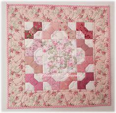 3D bowtie mini quilt machine quilted Flower*flower by Kanon