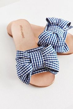 Jeffrey Campbell For UO Regalo Slide - Urban Outfitters Sandals Summer - Gingham Shoes = Gorgeous Love Jeffery Campbell for Urban Outfitters Clogs - There is nothing more comfortable and cool to wear on your feet during the heat season than some flat sand Pretty Shoes, Cute Shoes, Me Too Shoes, Flats, Shoes Sandals, Flat Sandals, Slide Sandals, Footwear Shoes, Flat Shoes