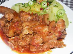 Cellar stew in cauldron - Pincepörkölt bográcsban - Karcsi főzdéje Goulash, Chicken Wings, Shrimp, Pork, Food And Drink, Dishes, Ethnic Recipes, Cauldron, Cellar