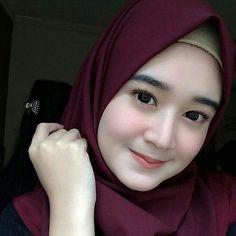 Hijabi Imut: Beautiful Hijaber from Aceh Beautiful Hijab Girl, Beautiful Muslim Women, Beautiful Asian Girls, Beautiful Models, Muslim Beauty, Stylish Dpz, Girl Hijab, Hijabi Girl, Hijab Chic