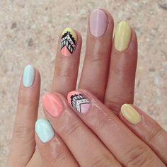 Kolorowo-pastelowo-AZTECKO ♡♥ #hybryda #nails #paznokcie #hybrydowe #zdobieniepaznokci #nails2inspire #semilac #ilovesemilac #diamondcosmetics #pinksmile #banana #caribbeansky #pastelpeach #strongwhite #rapidograf #aztecnails #wzorkiazteckie