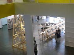 vista geral da sala da artista peruana nydia negromonte na 30ª bienal de sp