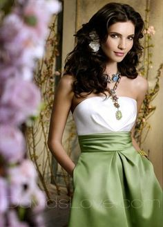 2-tone colour is lovely...   not so convinced with back cut and bottom of skirt.  add pearl necklace for chic romantic look!