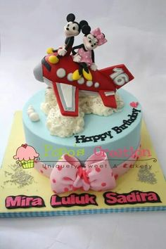 Mickey n minnie  Mouse cake