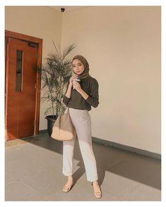 Modest Fashion Hijab, Modern Hijab Fashion, Street Hijab Fashion, Hijab Fashion Inspiration, Muslim Fashion, Fashion Outfits, Hijab Casual, Outfit Look, Hijab Trends