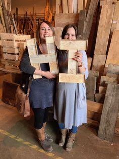 Learn how to make your own wooden marquee letter from pallets and reclaimed with various powertools. You will gain confidence & skills in this creative. Typography Letters, Lettering, Homemade Christmas Gifts, Wooden Letters, My Room, Crates, Create Your Own, Workshop, Diy Crafts