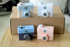 Easy DIY craft tutorial ideas for free printable paper toys. Paper toys are fun to make and fun to play with. Paper Camera, 3d Camera, Cardboard Camera, Lomo Camera, Paper Toys, Paper Crafts, Paper Art, Diy Paper, Safari Party
