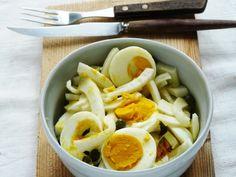 Insalata di finocchi, uova sode e capperi