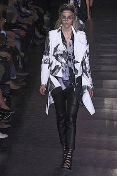 Ann Demeulemeester Spring 2010 Ready-to-Wear Collection