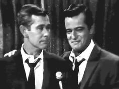 """Side By Side"" Robert Goulet & Johnny Carson duet  ROBERT GOULET TIMELESS  Robert sings ""On A Clear Day"" Robert and Johnny duet ""Side By Side"" Adorable and funny! Two incredible, talented and classy guys. A priceless gem, that has not been seen since it first aired in 1965."