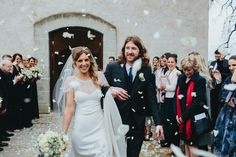 Stones of the Yarra Valley Wedding - Petal Throw- Photography by Kim Cartmell