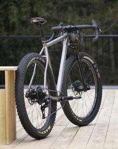 midfat monstercross Bike's For You 🚲 Mtb Bike, Cycling Bikes, Road Bikes, Touring Bicycles, Touring Bike, Monster Bike, Velo Retro, Montain Bike, Hardtail Mountain Bike