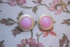 Vintage Gold & Pink Marbled Clip On Costume Jewelry Earrings by JenuineCollection on Etsy