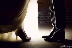 おしゃれは足もとから*前撮り特集 |*ウェディングフォト elle pupa blog*|Ameba (アメーバ) Wedding Photo Images, Wedding Photo Inspiration, Wedding Pictures, Wedding Album, Wedding Poses, Wedding Photoshoot, Wedding Photography List, Couple Photography, Restaurant Wedding