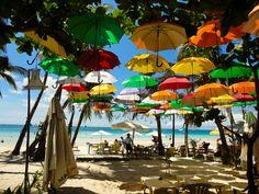 """Carsten Schlich - """"Umbrella Beach"""".  Hier gehts zur Gesamtübersicht: http://pxm.li/6ryCDE  #Sommer #Foto #Regenschirm #Strand"""