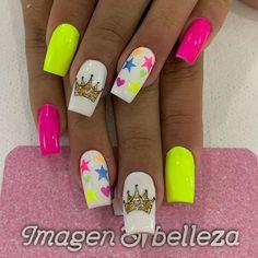 Disney Nail Designs, New Nail Designs, Acrylic Nail Designs, Acrylic Nails, Uñas Color Neon, Crown Nails, Nails For Kids, Dipped Nails, Heart Nails