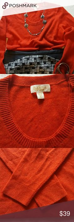 🌼Price to sell 🍁🌺Peck & Peck sweater🌺🍁 Just in for the season . This is one adorable sweater, 100% Cashmere, in excellent condition , Fall favorite color🍁🍁 Tops