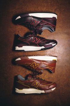 All leather NB kicks, courtesy of #horween Beautiful shoes. But I'm never gonna pay $400 for a pair of sneakers! #NiceShoes