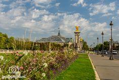 Top-23 Paris Sehenswürdigkeiten | Reiseblog & Fotografieblog aus Österreich Sidewalk, Paris Tourist Attractions, Tour Eiffel, France, Side Walkway, Walkway, Walkways, Pavement