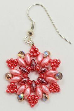 Deb Roberti's FREE Snowflake Earrings Pattern in summer colors. direct link : http://www.aroundthebeadingtable.com/Tutorials/Snowflake.html #Seed #Bead #Tutorials