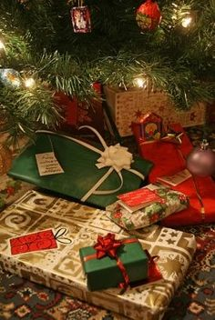 2012 Christmas Gift Ideas  I've listed all kinds of Christmas Gift Ideas for everyone on your list, including gift ideas for boys, girls, wife,...