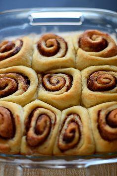 The World's Easiest 7 Ingredient Cinnamon Rolls | via MinimalistBaker.com