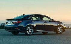 2017 Lexus ES 300h Layout