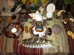 ✨Creating a Elemental Mesa ( Altar )✨   Start by opening sacred space. Next consecrating the ground or altar space . Then lay out your mesa or altar cloth.  Next your going to place your item that will hold the energy of the South ( fire ) ... I white candle... You can blow the intention of the south archetype. ( Serpent Amaru and Shachamoma or Inti Tayta father sun or the Archangel Michael ) you can also chant the archetypal name 3 times and then blow with your sacred breath this energy…