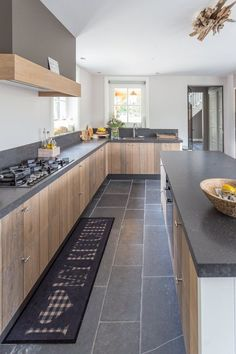 48 Stunning Contemporary Kitchen Design Ideas For Your Perfect Kitchen – Decor Style 2019 Kitchen Room Design, Kitchen Layout, Interior Design Kitchen, Diy Kitchen, Kitchen Dining, Kitchen Decor, Kitchen Walls, Kitchen Modern, Awesome Kitchen