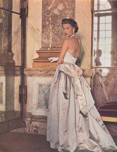 | Paris Vogue,October 1952 | Elegant evening gown by Balmain