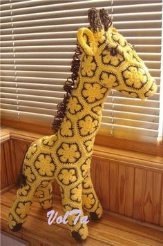 african flower giraffe ♪ ♪ ... #inspiration_crochet #diy GB http://www.pinterest.com/gigibrazil/boards/