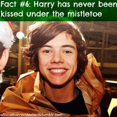 I want to kiss him under the mistletoe... :) <3
