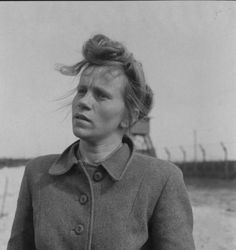 Portrait of Elizabeth Volkenrath, 25, a hairdresser who served as SS girl at Bergen-Belsen concentration camp. Location: Bergen-Belsen, Germany, Date taken: May 1945 Read more: http://histomil.com/viewtopic.php?f=95&t=3918&start=220#ixzz3YqEbIQBz