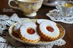 Gabriella kalandjai a konyhában :): A legomlósabb linzer Torte Cake, Christmas Baking, Cakepops, Fun Desserts, No Bake Cake, Baking Recipes, Cheesecake, Muffin, Food And Drink