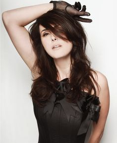 Sharon den Adel = amazing
