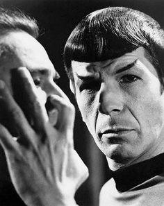 Vintage Star Trek: The vulcan mind meld