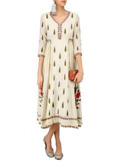 Shop Ivory Kashmiri Aari Detailed Tunic from Abhishek Vermaa Cotton Dress Indian, Indian Dresses, Indian Outfits, Tunic Designs, Kurta Designs, Kurta Patterns, Dress Patterns, Cotton Tunics, Cotton Dresses