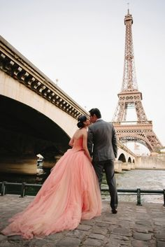 This sweet pink bridal look is perfect for a Paris engagement session!