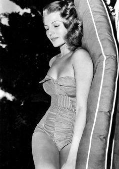 Rita Hayworth: A Fre