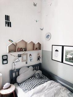 Kinderzimmer | #SoLebIch Foto von Mitglied Ile #Kinderzimmer #kids #girlpower #blackandwhite #schwarzweiß #wolkenkissen #skandi