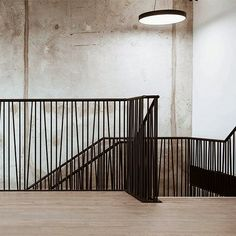 Modern Stair Railing, Balcony Railing Design, Home Stairs Design, Staircase Railings, Modern Stairs, Interior Stairs, Stairways, Home Interior Design, House Design