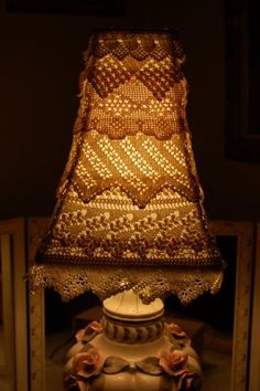 Maison Douce: A tutorial : layered lace lampshades