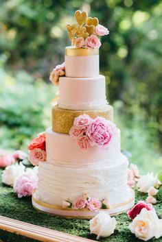 This cake is everything: http://www.stylemepretty.com/canada-weddings/ontario/toronto/2015/03/25/colorful-summer-wedding-at-the-miller-lash-house/ | Photography: Lavish & Light - http://www.lavishandlight.com/
