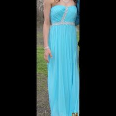 Prom dress Light blue long formal dress. Only wore once for a few hours. Zips in the back. Dresses Prom