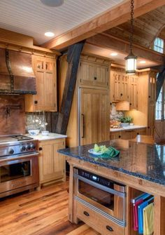 Timber Frame Craftsman Kitchen (Crown-P, kitchen design Log Home Kitchens, Light Wood Kitchens, Cool Kitchens, Craftsman Kitchen, Farmhouse Kitchen Decor, Craftsman Style, Modern Kitchen Design, Interior Design Kitchen, Kitchen Designs