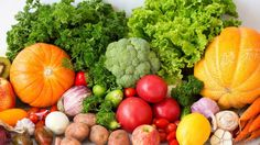 This anti-Alzheimer's diet will cut your risk of developing the disease by one-third Natural News, Natural Health, Gut Health, Health And Wellness, News Health, Cancer Fighting Foods, Did You Eat, Grow Your Own Food, Reduce Inflammation